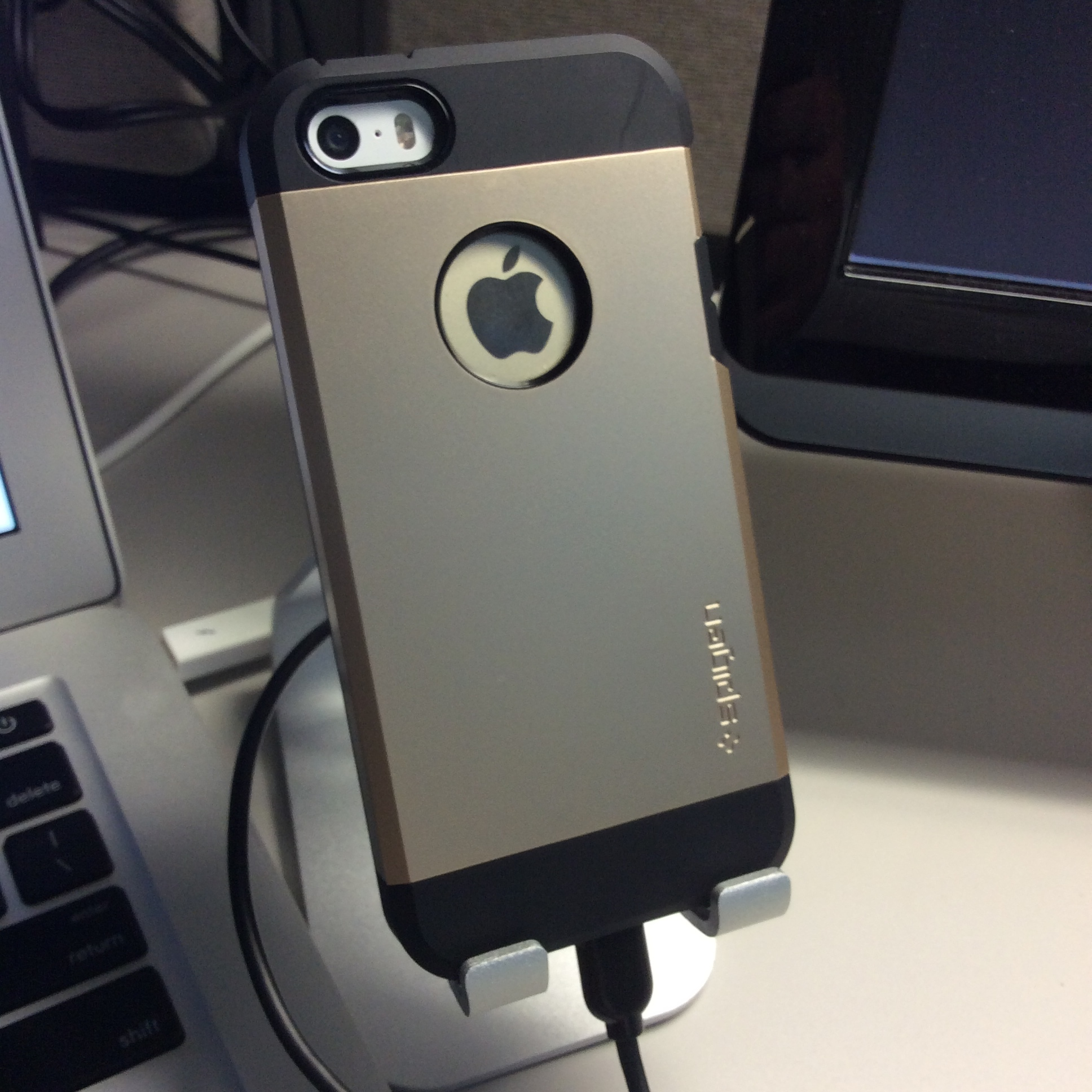 Spigen iPhone 5s case